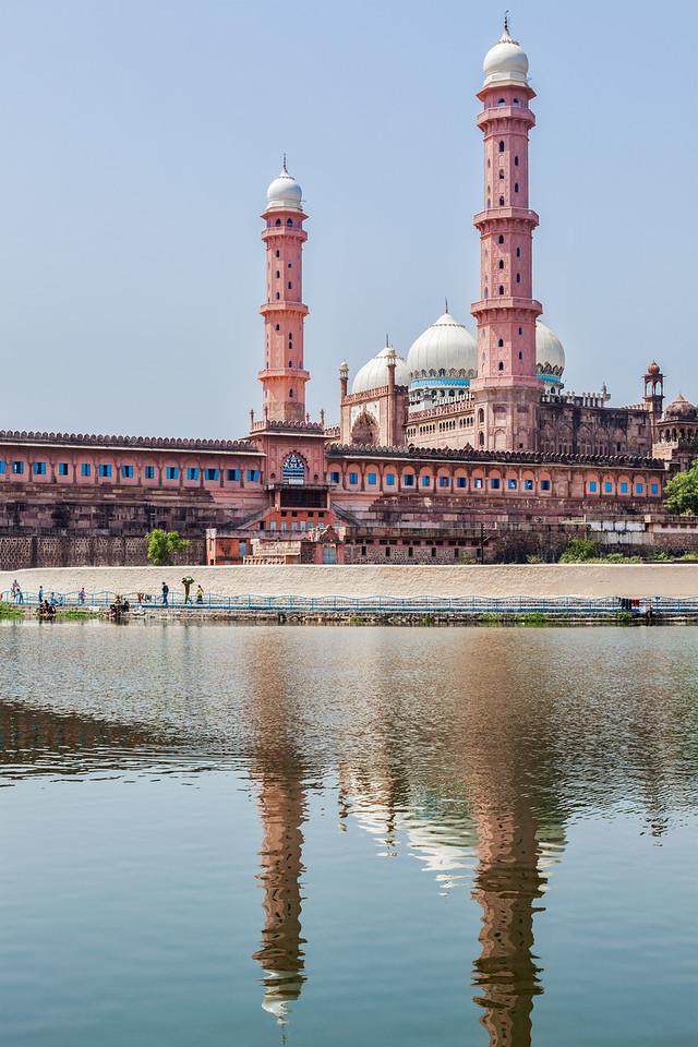 Taj-ul-Masajid (also spelled Taj-ul-Masjid) - the largest mosque in India. Bhopal, Madhya Pradesh state, India