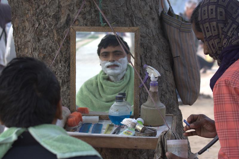 morning shave, New Delhi