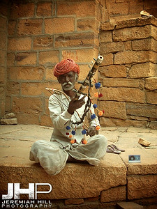 """Busker In The Sands"", Jaisalmer, Rajasthan, India, 2005 Print INDIA9-229V2"