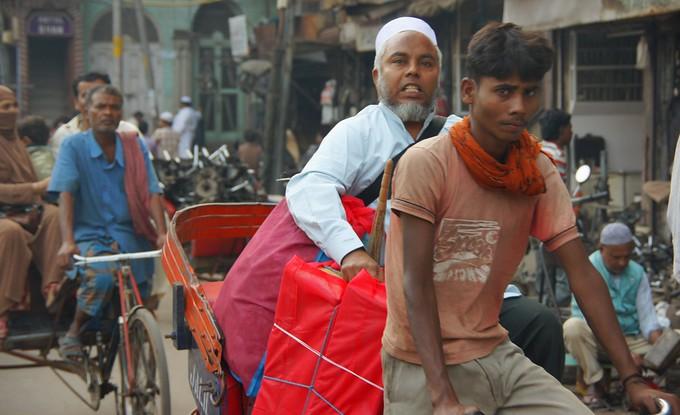 Hectic street scene in Old Delhi