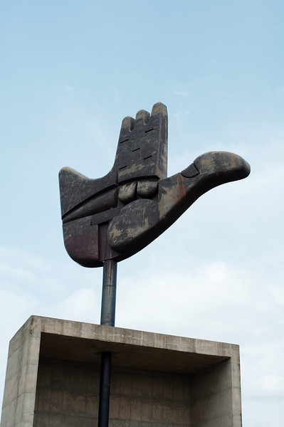 """The """"Open Hand"""" sculpture by Le Corbusier"""