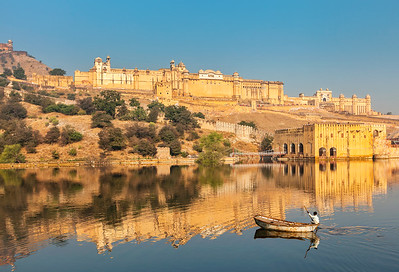 Amer (Amber) fort and Maota lake with boat.  Rajasthan, India
