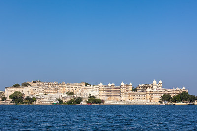 City Palace complex on Lake Pichola, Udaipur, Rajasthan, India