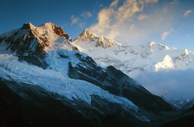 Kangchenjunga range at sunrise, viewed from Samiti view point.