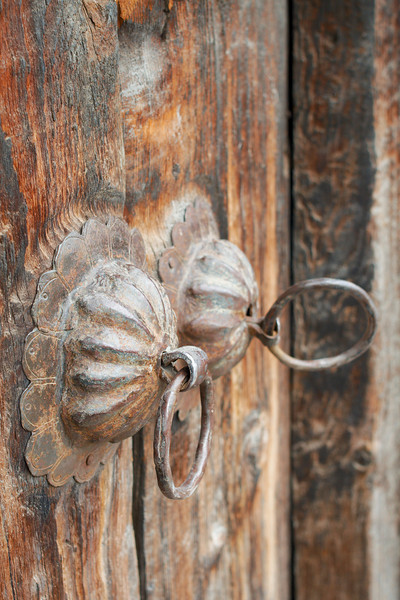A door in the Kalpa Temple