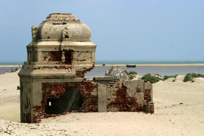 The Dhanushkodi and the railway line to the town was destroyed in the 1964 cyclone from Pamban Station along with a trainload of passengers was washed into the sea. The railway line has since been abandoned.