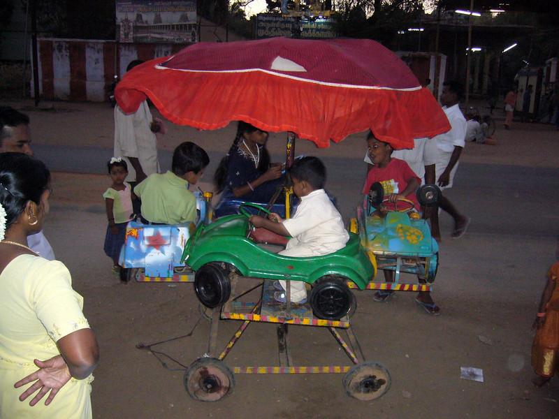 Fun zone ride, portable in seconds. Maudrai, Tamil Nadu, India Meenakshi Temple