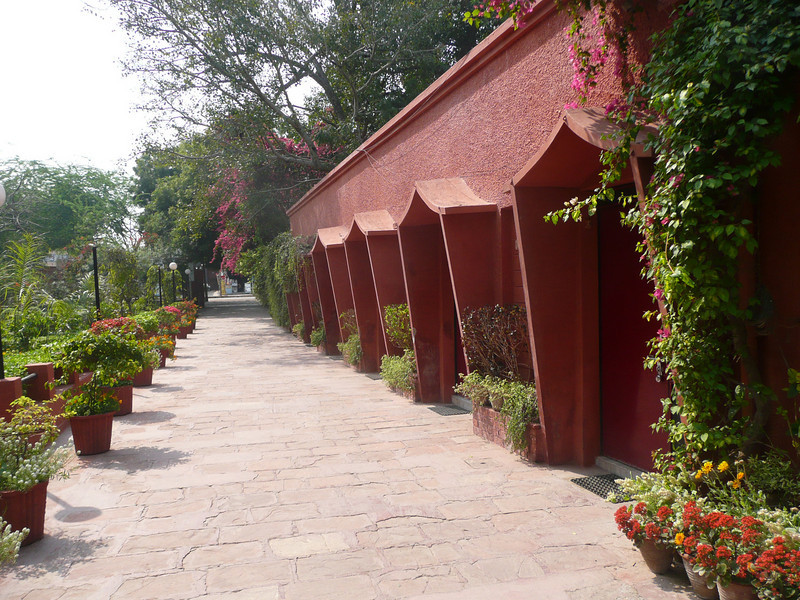 """The Hotel Sheela  <a href=""""http://www.hotelsheelaagra.com"""">http://www.hotelsheelaagra.com</a> is right by the East gate of the Taj.  It's inexpensive, very comfortable with a nice garden and restaurant area.  I will stay there again!  <a href=""""http://www.tripadvisor.in/Hotel_Review-g297683-d386906-Reviews-Hotel_Sheela-Agra_Uttar_Pradesh.html"""">http://www.tripadvisor.in/Hotel_Review-g297683-d386906-Reviews-Hotel_Sheela-Agra_Uttar_Pradesh.html</a> Agra, India, Taj Mahal, Uttar Pradesh"""
