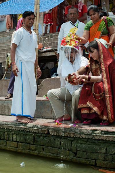 Ceremony along the Ganga