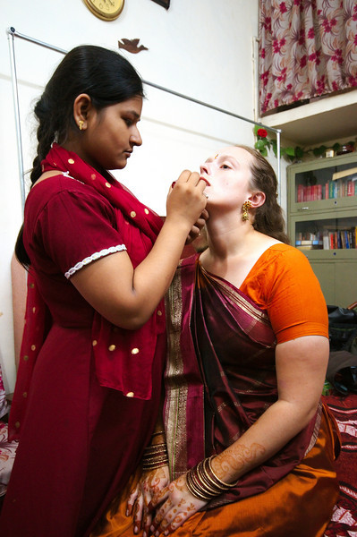 Jitendra's cousin Pooja does Emilie's makeup
