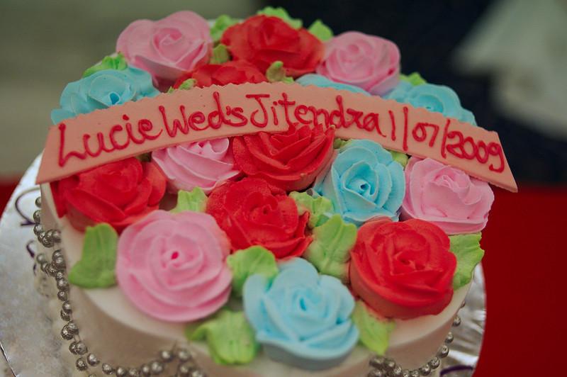 The wedding cake, with flowers from Mumbai