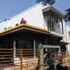 Auf diesen frisch renovierten Wohnhäusern werden die Systeme installiert.