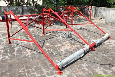 Eine der Trägerkonstruktionen für ein 300-Lpd-System (300 Liter Warmwasser pro Tag).