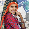 Niña en mercado Gujarati