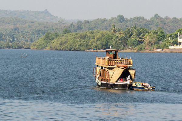 Houseboat on the Chapora River