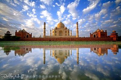 Stunning Sunrise Reflection of the Taj Mahal in Agra, India