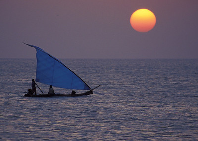 Boat off coast of SE India (Dhuneshkodi)