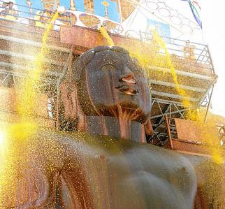 Jain Statue anointed, Shravanabelagola