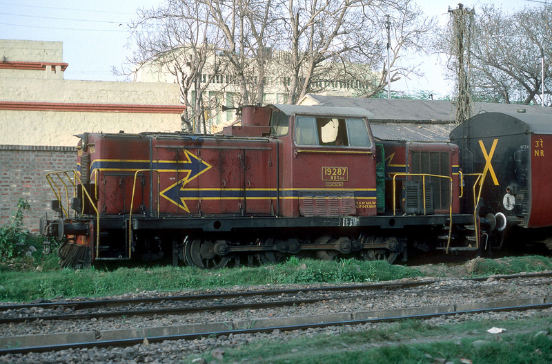 WDS4B 19287 is seen out of use at Delhi Junction on 16 February 1992