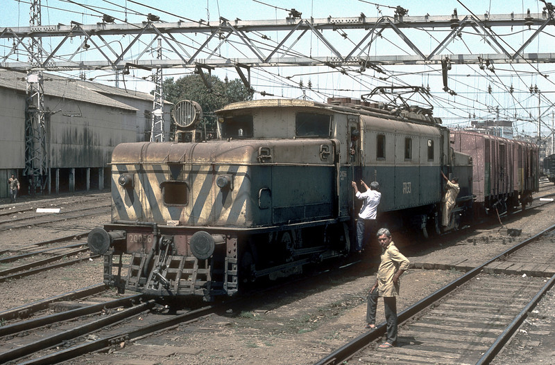 Built in England for the electrification of the Bombay system WCG1 20056 idly shunts the yard at VT station on 6 March 1992