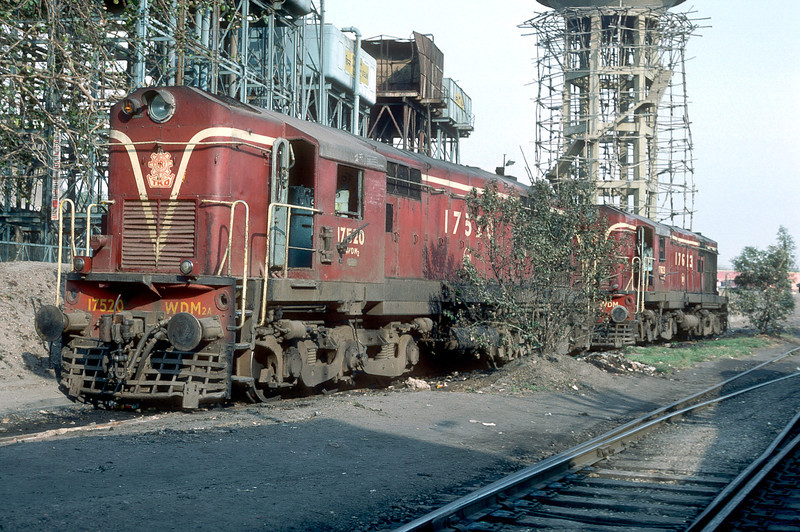 WDM2A 17520 and WDM2 17623 are at Delhi Junction locomotive depot on 16 February 1992
