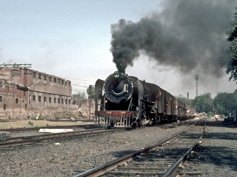 YP 2486 storms into Ahmadabad Junction with a local passenger on 5 March 1992