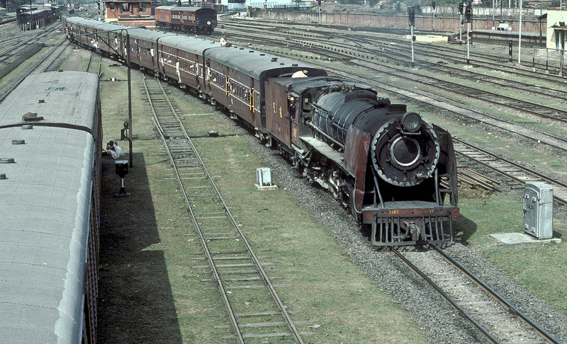 YP2161 enters Kathihar station with a well loaded train on 27 February 1992