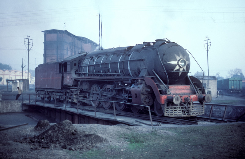 WP 7199 gets turned around at Saharanpur depot on 17 February 1992