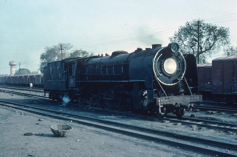 YG4189 at Delhi Sarai Rohilla on 10 March 1992