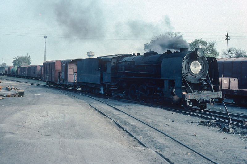 Making a rather large shunting engine YG3707 shuttles around the yard at Delhi Sarai Rohilla on 10 March 1992