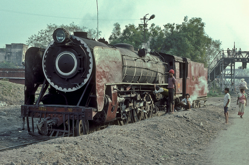 YP2802 runs onto the depot at Kathihar for servicing on 27 February 1992