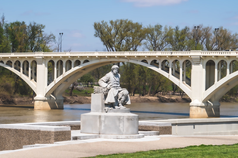 Statue by John Angel dedicated to Francis Vigo in Vincennes Indiana
