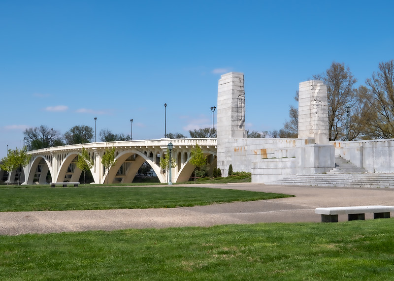 Lincoln Memorial Bridge in Vincennes Indiana