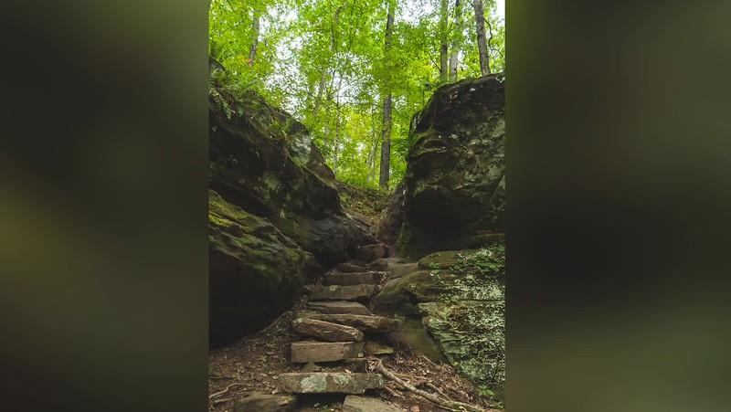 2019 Indiana: Hemlock Cliffs in the Hoosier National Forest Photo Slideshow