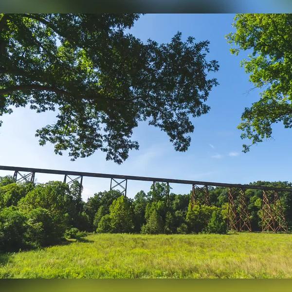2018 Indiana: Tulip Viaduct in Greene County and Merom Bluff Park in Merom Photo Slideshow