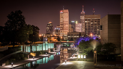 Downtown photos of Indy skyline by Eric Meyer.  photobymeyer.com