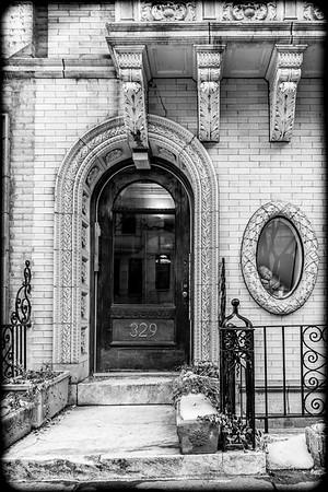 Carven Entryway