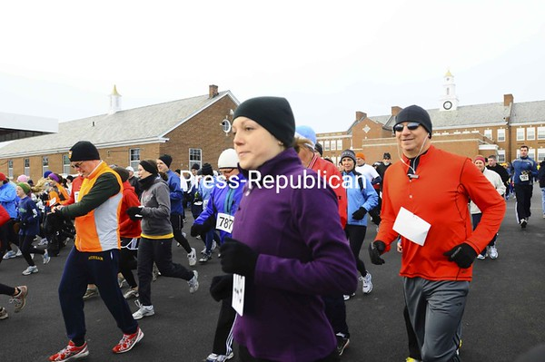 More than 500 people participated in the 33rd annual Turkey Trot, hosted by the Peru Lions Club. The event included 5K and 10K races as well as a 1-mile Fun Run.<br><br>(Staff Photo/Kelli Catana)