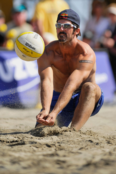 14 September 2008:  Todd Rogers saves a ball during the men's final match of the AVP Crocs Cup Shootout at Pier 30 in San Francisco, CA.   Jake Gibb and Sean Rosenthal defeated Phil Dalhausser and Rogers 11-21, 21-19, 15-13.