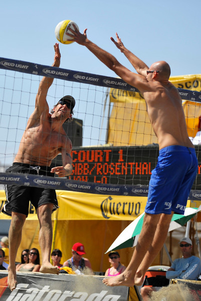 14 September 2008:  Phil Dalhausser successfully defends a shot from Stein Metzger above the net during the men's semi-final match in the AVP Crocs Cup Shootout at Pier 30 in San Francisco, CA.  Dalhausser and Todd Rogers defeated Metzger and Mark Williams 21-19, 21-19.