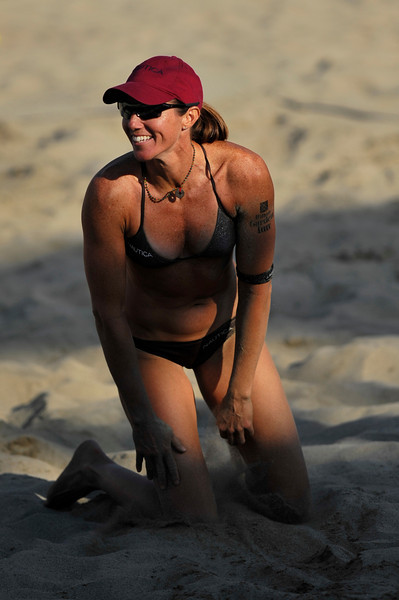 14 September 2008:  Elaine Youngs during the women's final match of the AVP Crocs Cup Shootout at Pier 30 in San Francisco, CA.   Misty May-Treanor and Kerri Walsh defeated Youngs and Nicole Branagh 21-16, 21-12.