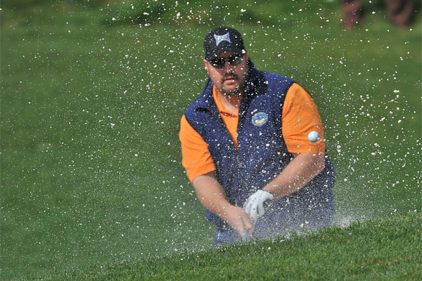 06 February 2008: Kevin James out of the bunker during the 3M Celebrity Challenge Shoot-Out competition at the Pebble Beach Golf Links, a preliminary event preceding the AT&T Pebble Beach National Pro-Am Golf Tournament in Pebble Beach, CA.