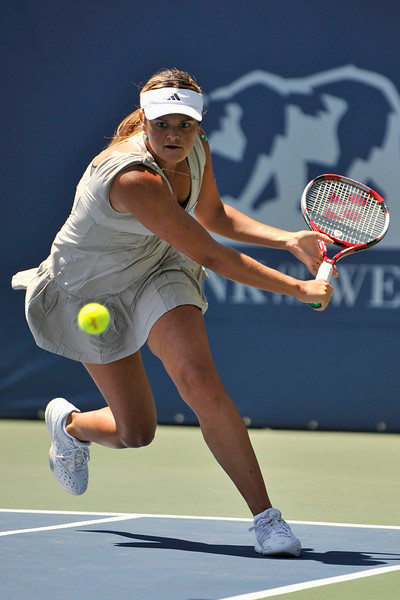 20 July 2008: Aleksandra Wozniak of Canada during her 7-5, 6-3 victory over Marion Bartoli of France in the singles final of the Bank of the West Classic in Stanford, CA.