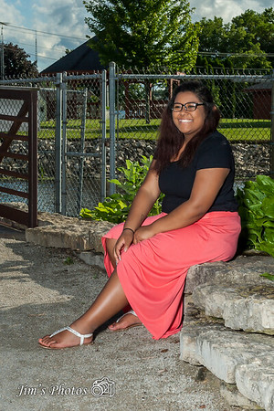 Senior Class Photos - Talaya S - June 20, 2017