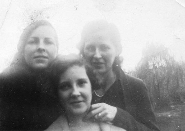 October 23, 1934 (photo development date) Susan Maria (Keating) Kuck, Anna Regina (Keating) Morris and Veronica Alice (Keating) Golaszewski.