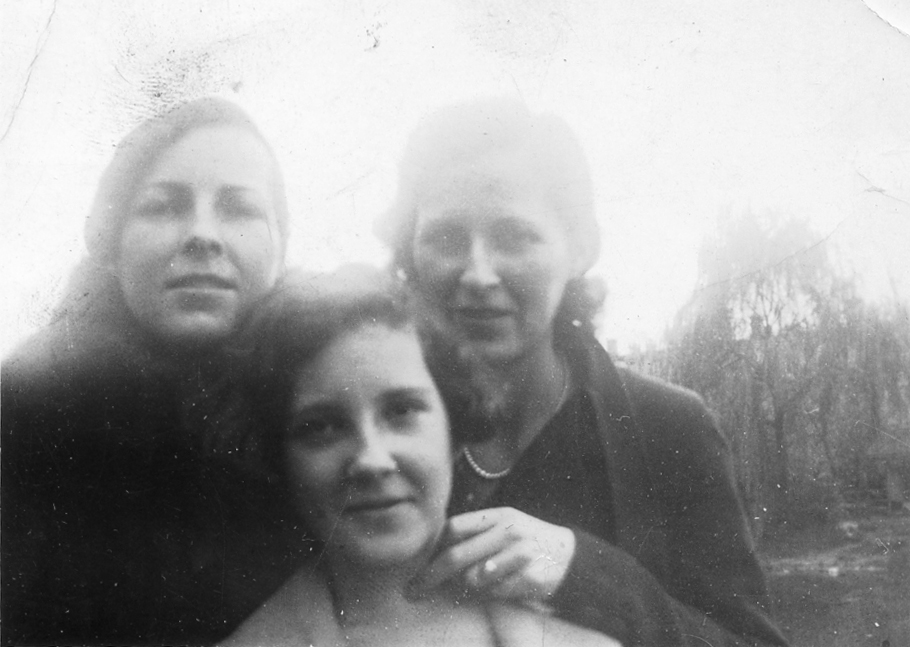 October 23, 1934 (photo development date) Susan Maria (Keating) Kuck, Anna Regina (Keating) Morris and Veronica Alice (Keating) Golaszewski.