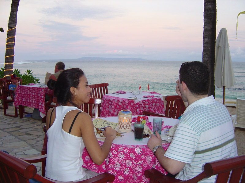 A romantic candlelit dinner by the ocean with my love :)