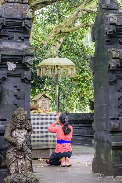 Prayers at Tirta Empul Temple