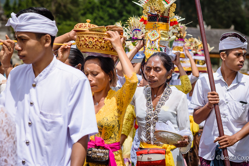Carrying the Offerings