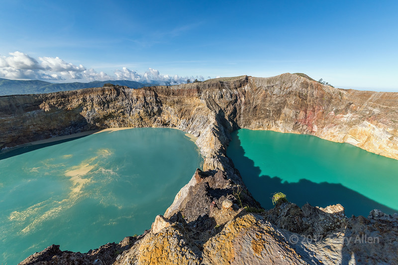 Crater lakes, Tiwu Nuwa Muri Koo Fai (left) and Tiwu Ata Polo (right), Kelimutu National Park, Flores Island, Indonesia